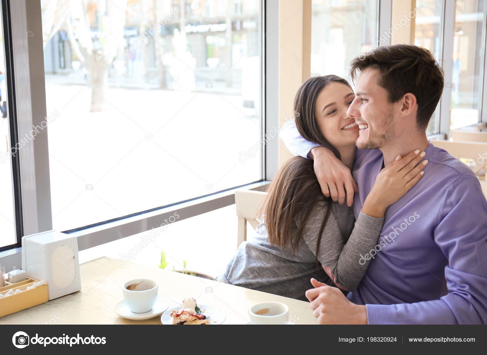 Gelegenheitsgeständige Datierung von mehr als einer Person