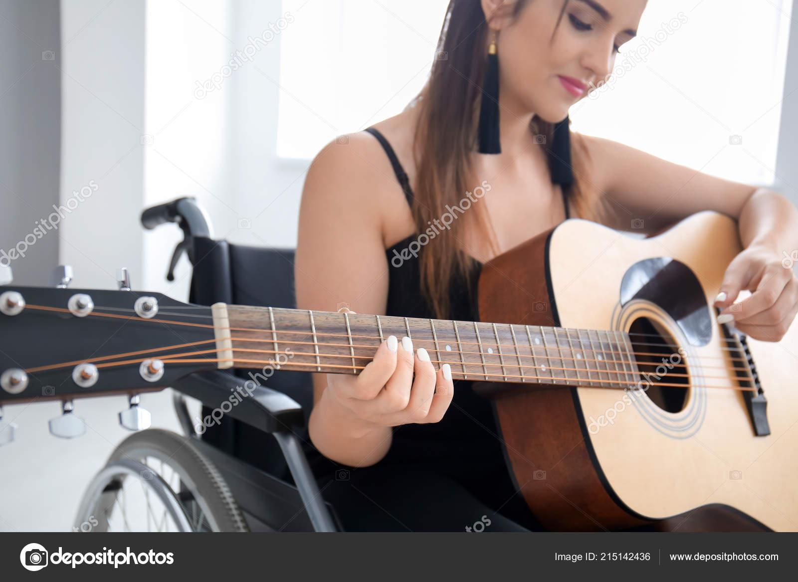 Трахнул на гитаре, Игра На Гитаре (найдено 47 порно видео роликов) 17 фотография