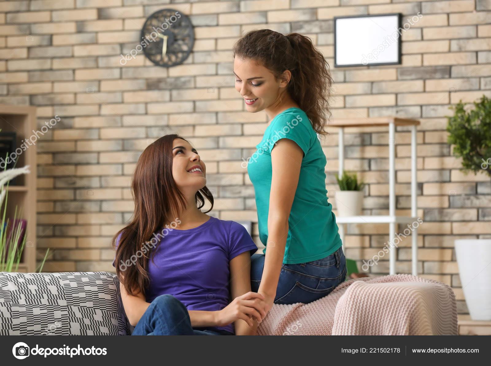 young lesbian pics