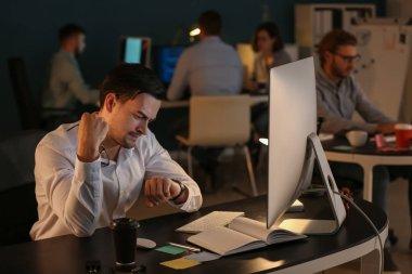 IT specialist trying to meet deadline in office