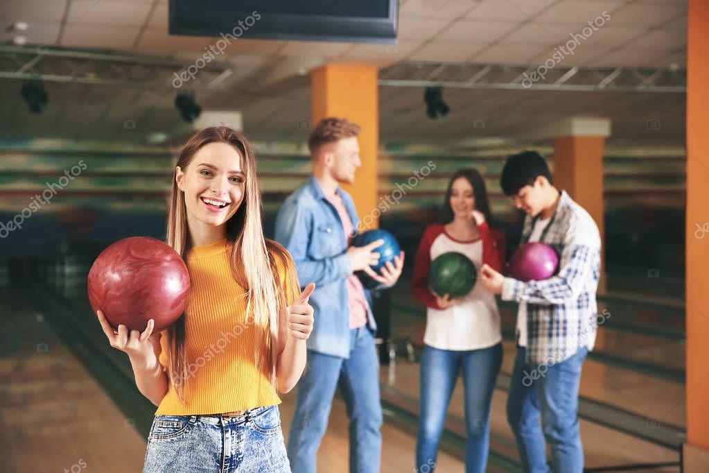 фото администратора в боулинг клубе количество ночных клубов
