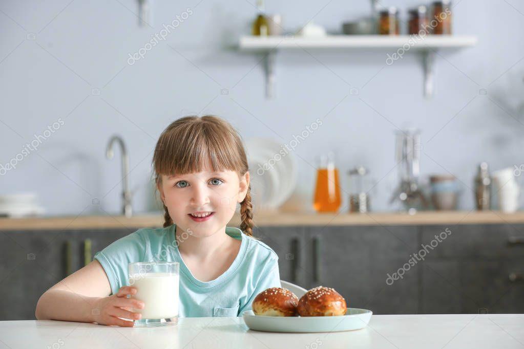 milk-and-little-girl-boobs-hot-girls