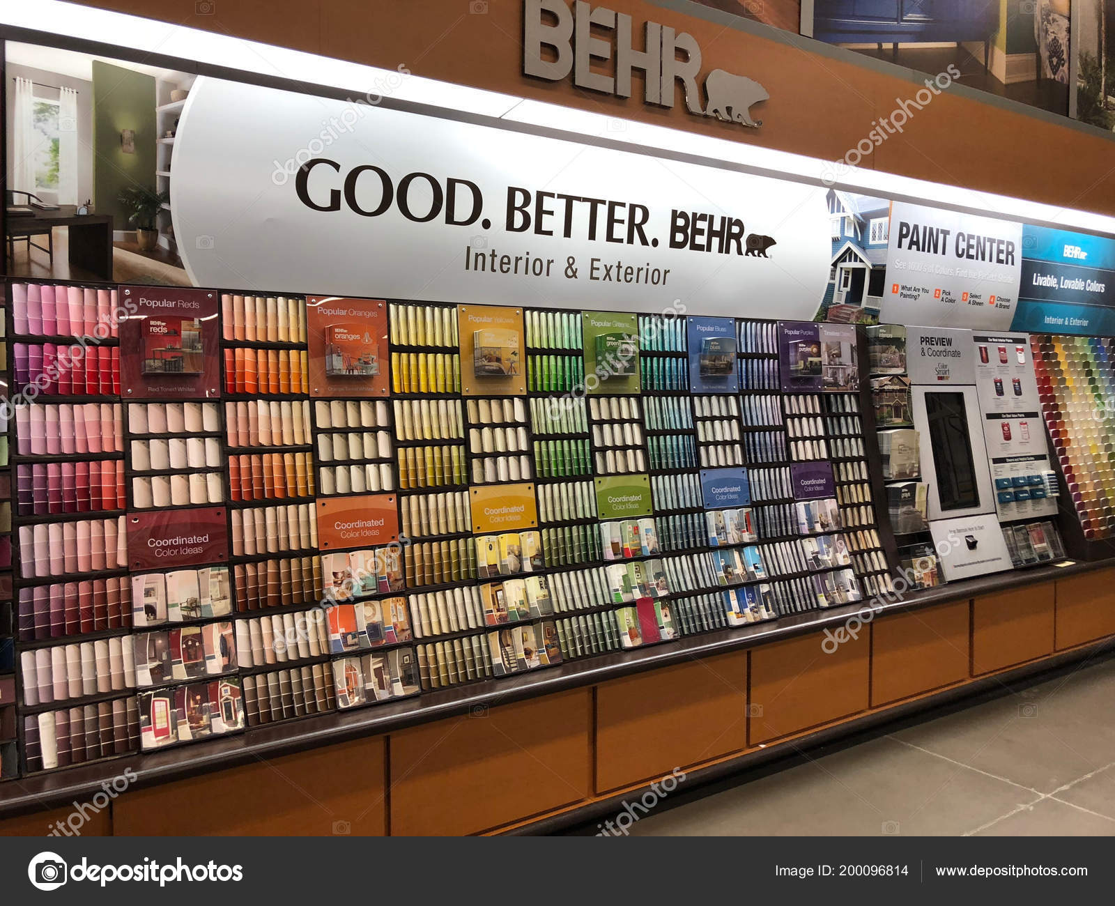 Home Depot Largest Home Improvement Retailer United States Painting Department Stock Editorial Photo C Proshooter 200096814