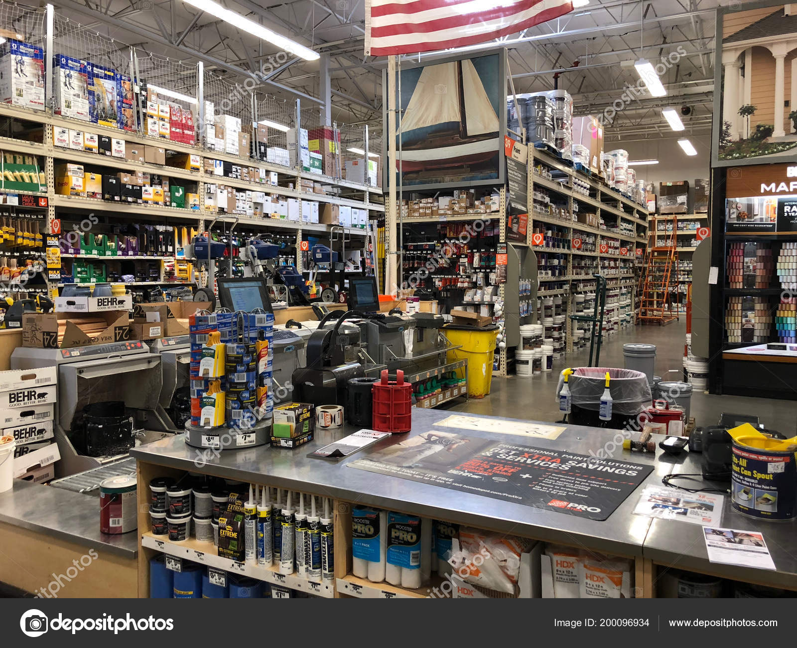 Home Depot Largest Home Improvement Retailer United States Painting Department Stock Editorial Photo C Proshooter 200096934