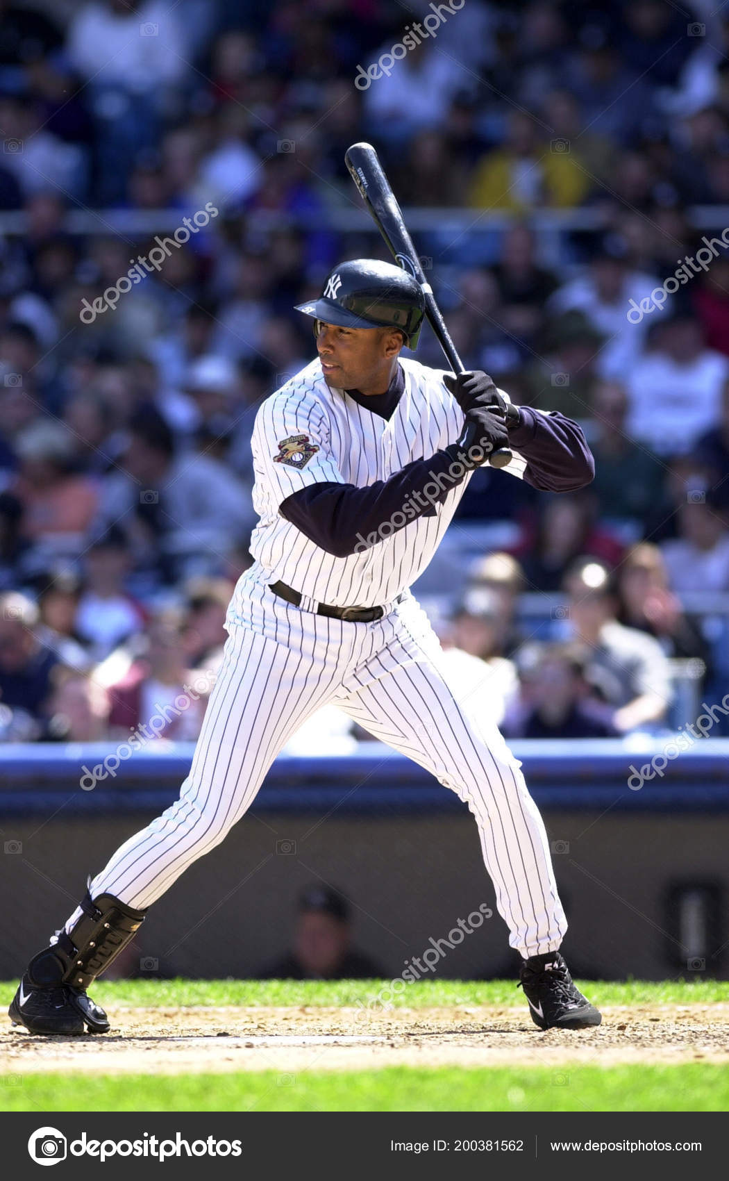 a biography of bernie williams a professional baseball player File - in this feb 1, 2014, file photo, former new york yankee baseball player bernie williams plays the nation anthem on a guitar before an nba basketball game between the miami heat and the new.