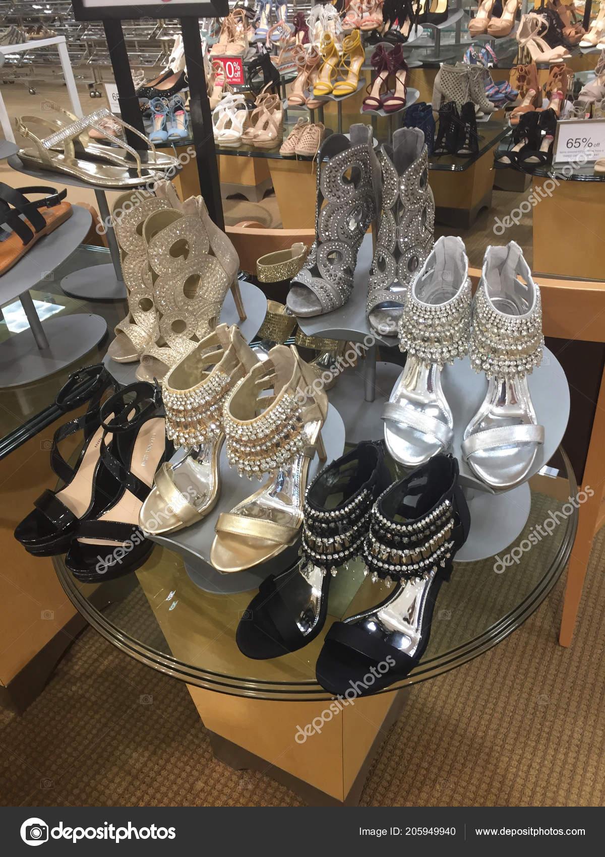 Large Selection Women Shoes Shelf Sale