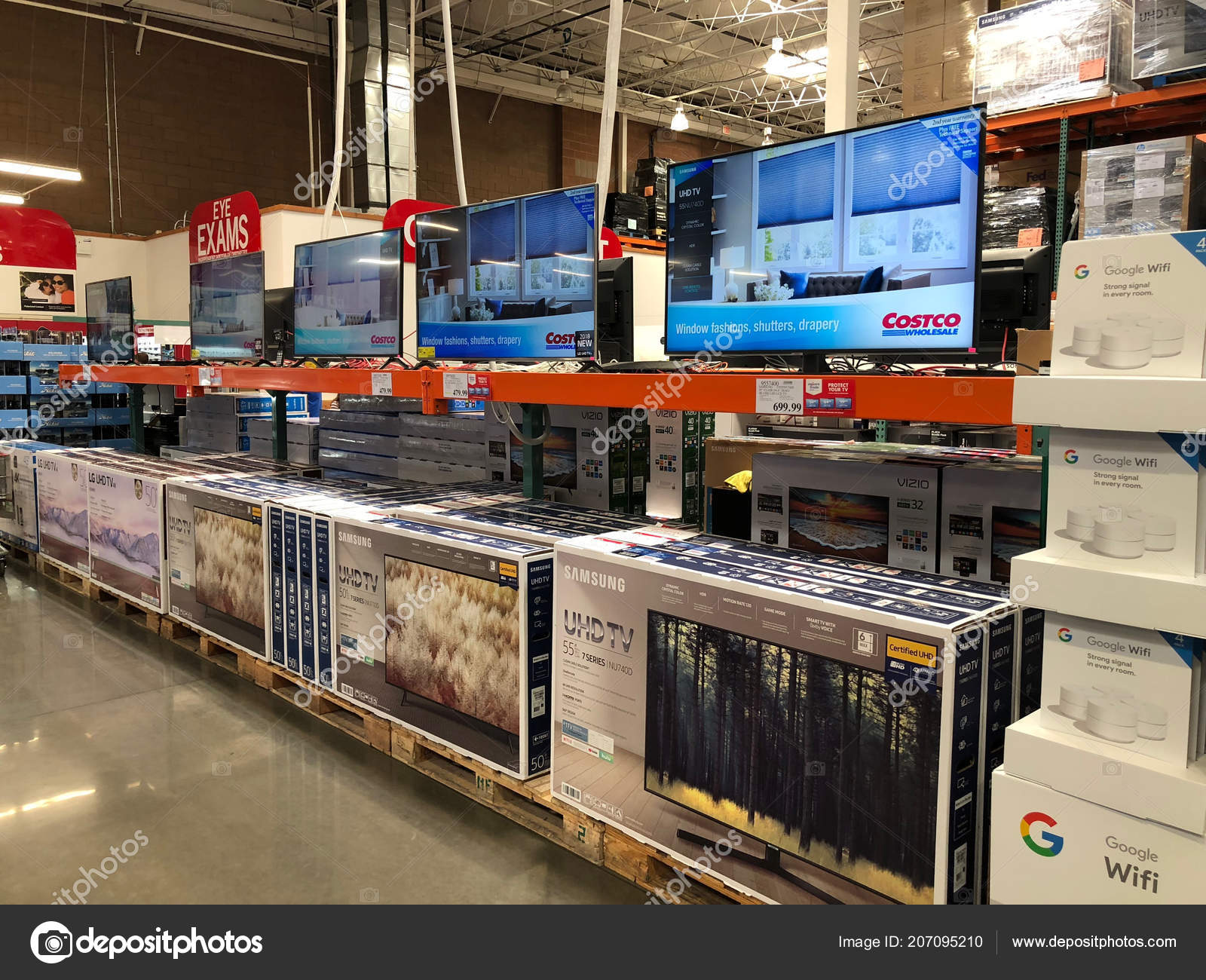 history of the costco wholesale corporation marketing essay Costco wholesale corporation, trading as costco, is an american multinational corporation which operates a chain of membership-only warehouse clubs.