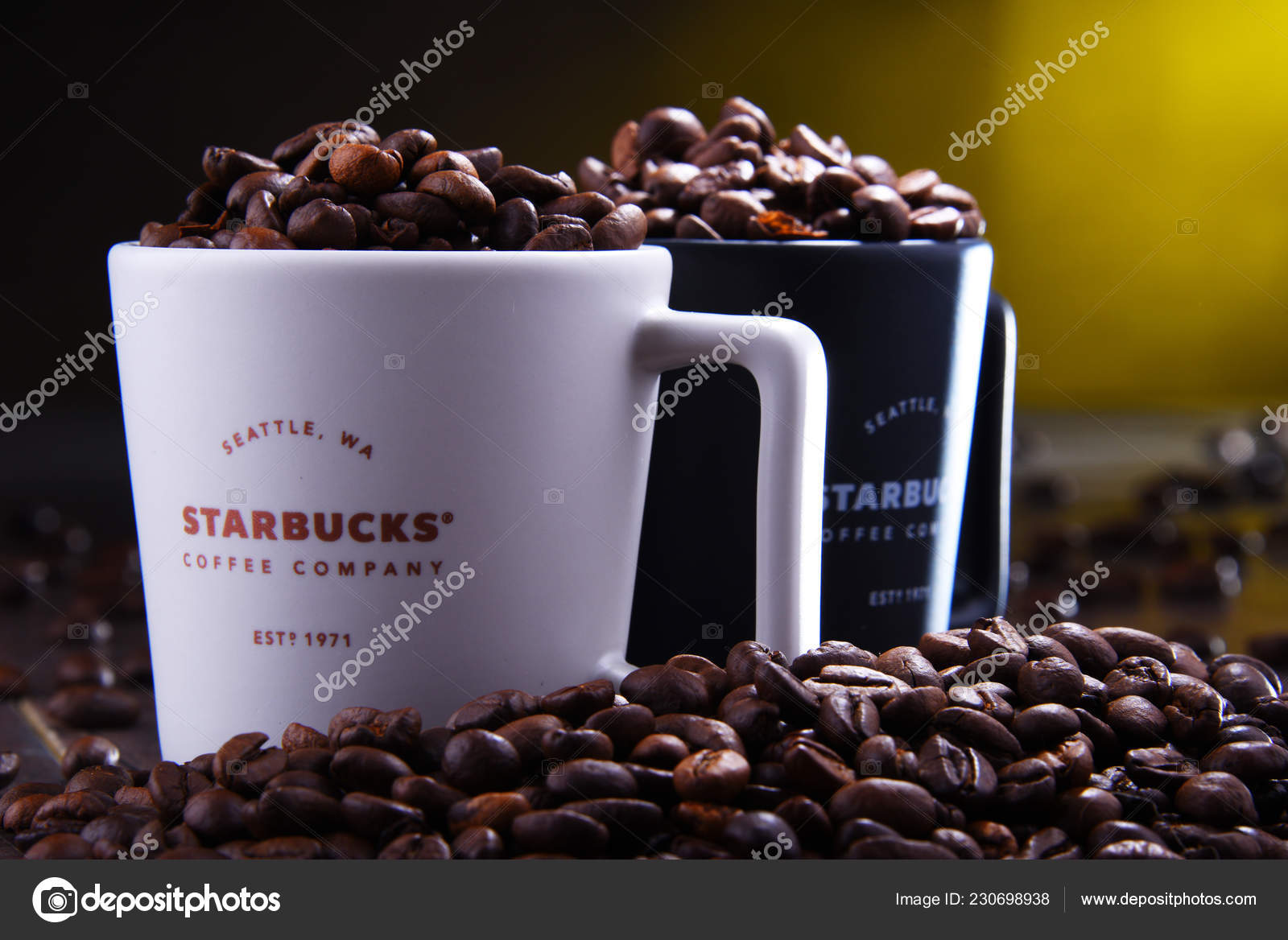 Chain Starbucks Coffee Pol Poznan Coffeehouse 2018 Company Nov Cups mwv80Nn