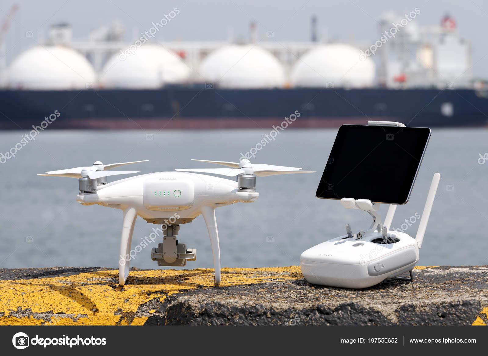 Soggiorno Drone Blocchi Cemento Protezione Del Porto Pronto Volo ...