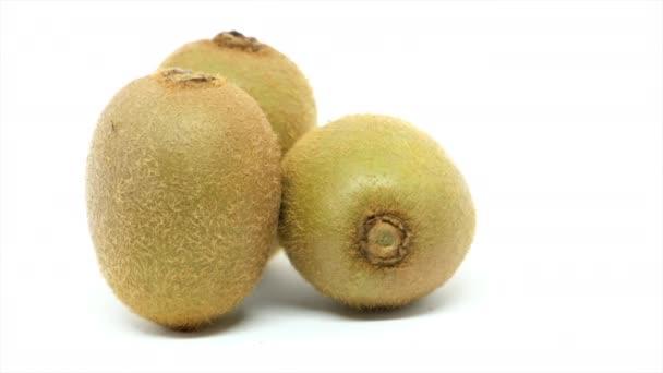 ovoce čerstvé kiwi na bílém pozadí