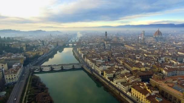 A légi felvétel, Firenze, Olaszország, naplementekor. Dóm Preverenges