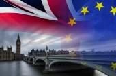 Názorově koncepce obrazu London obrazu a Velká Británie a Eu vlajky obložil symbolizující dohoda a dohoda zpracovávány