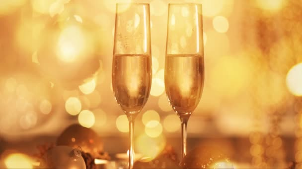 Cinemagraph - Christmas and New Year holiday table setting with champagne. Celebration.  Holiday Decorations. Living foto.