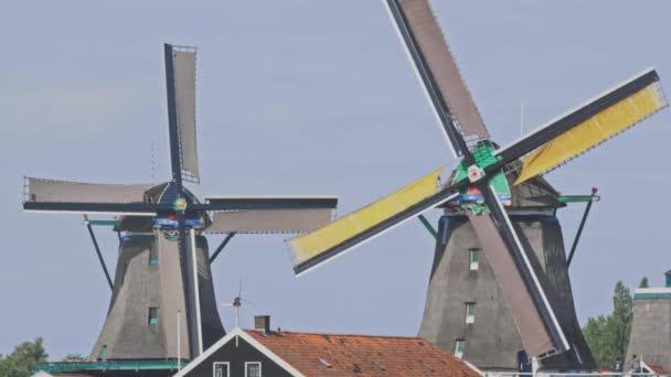 Nizozemské větrné mlýny v Nizozemsku detailní záběry