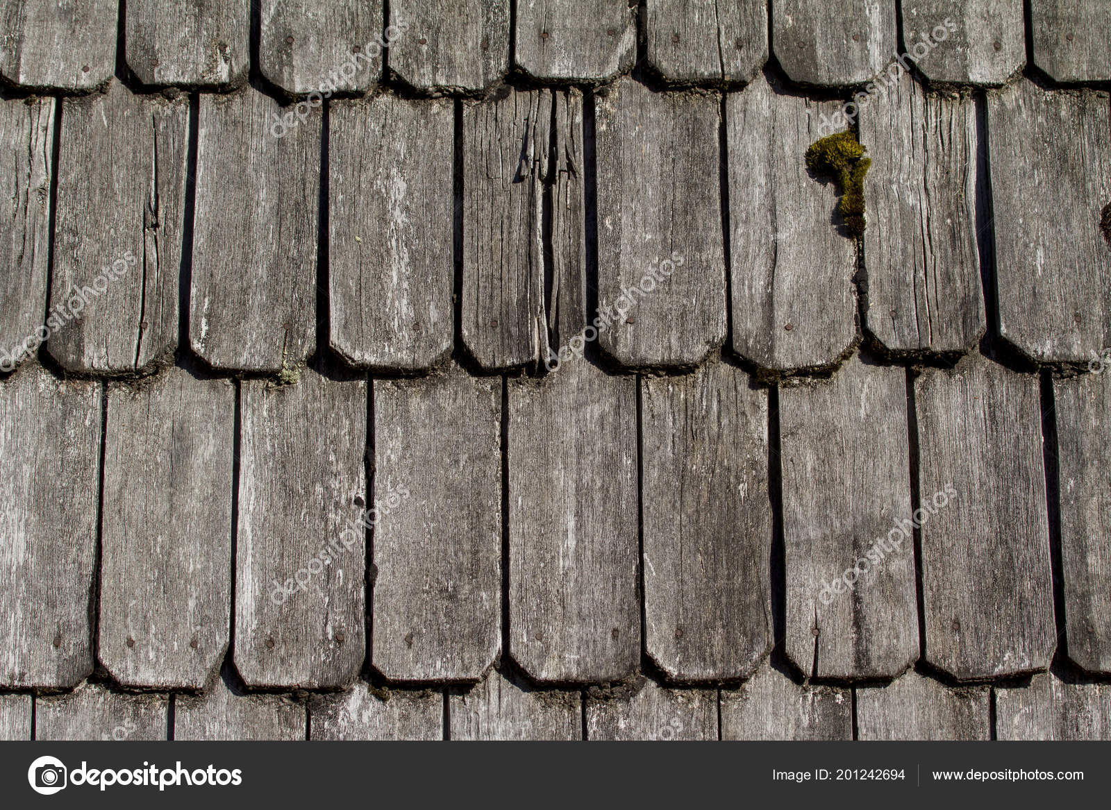 Wood roof - old traditional method for roofing - Cedar roof shingles and  shakes are renowned for their insulation qualities, dimensional stability  and