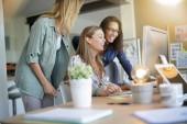 Zahájení činnosti mladých žen v úřadu, co-Working oblast