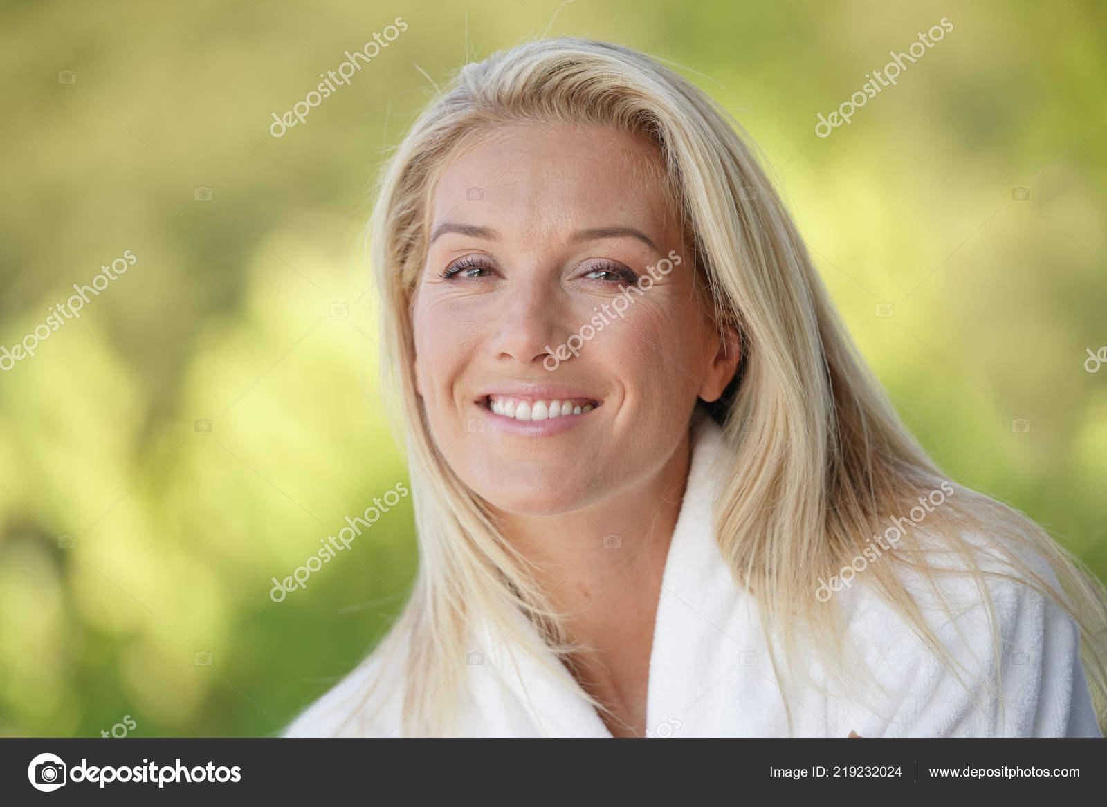 photos de femmes de 40 ans belle