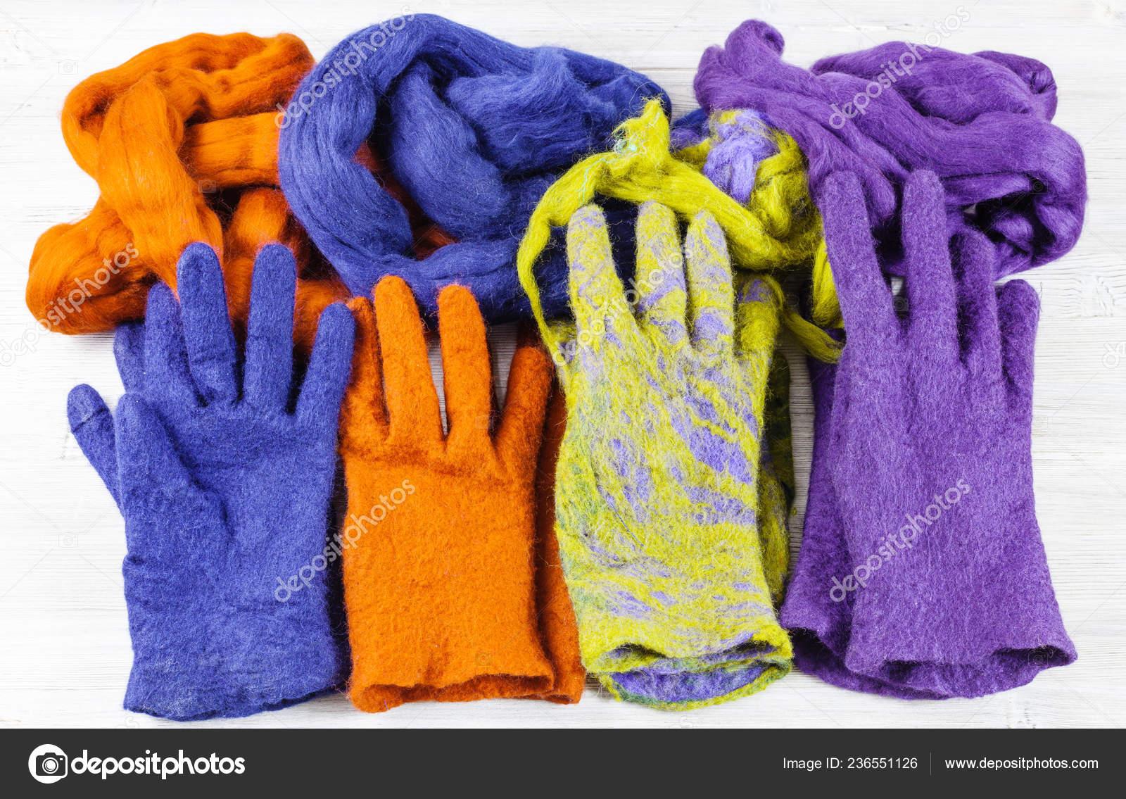 Werkstatt Von Hand Machen Ein Fleece Handschuhe Aus