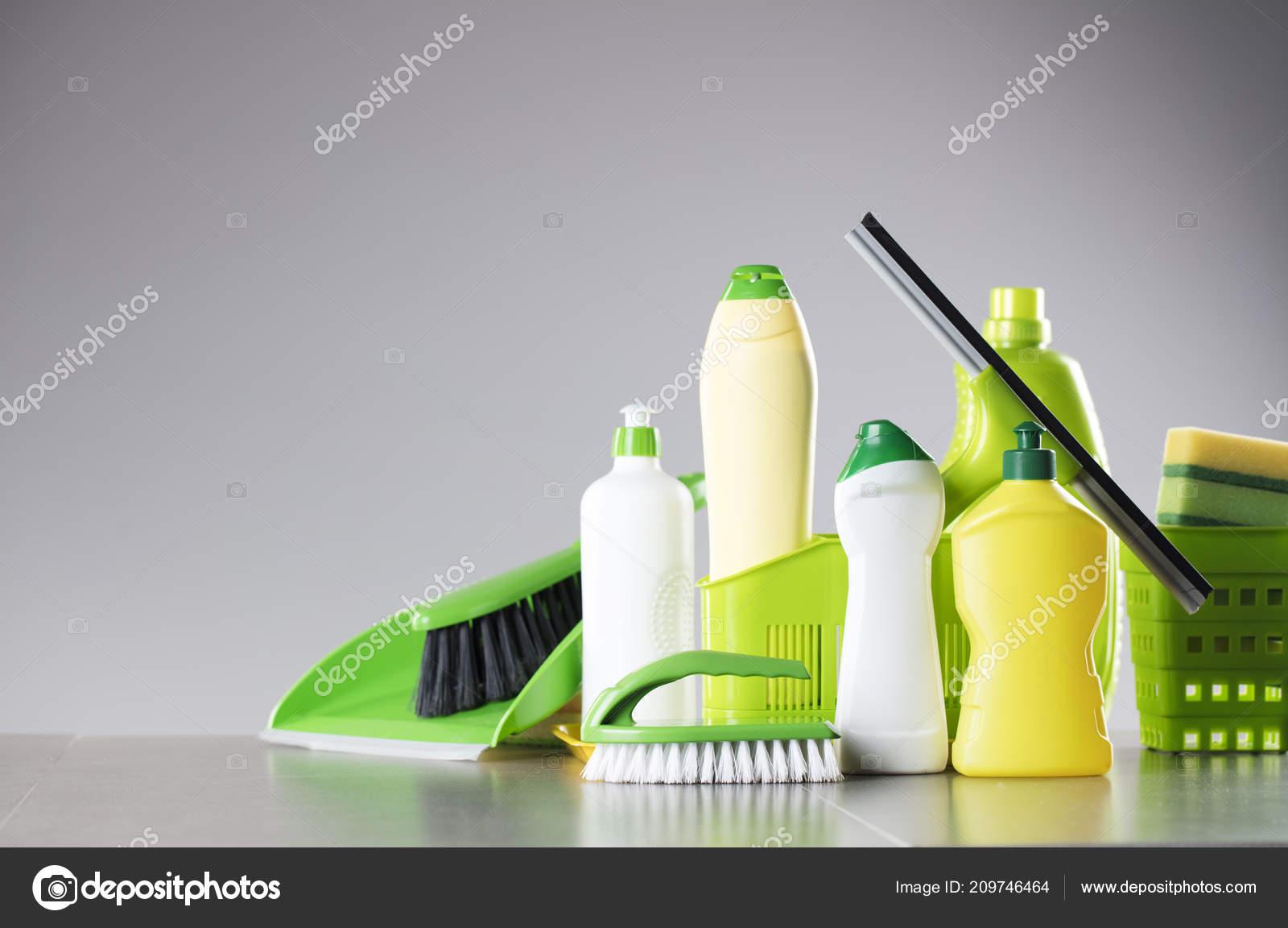 Haus Und Büro Aufräumen Thema Satz Von Bunten Reinigungsprodukte Auf