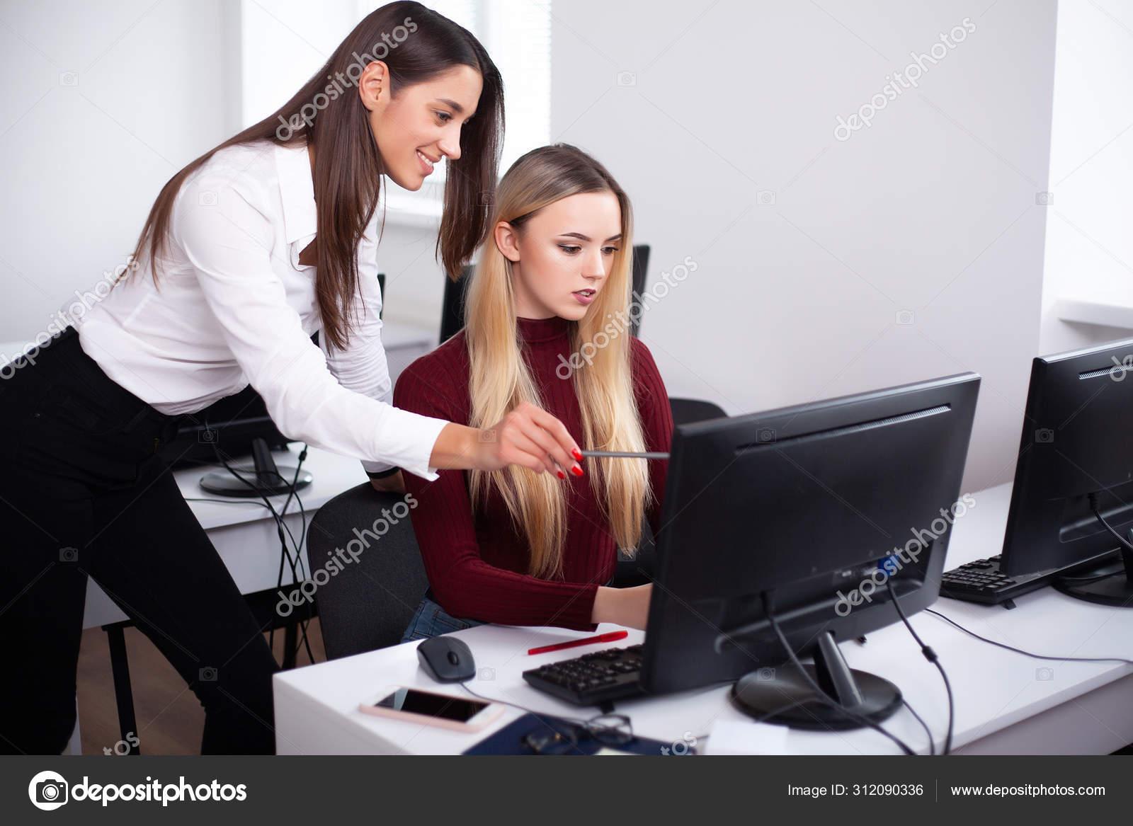 Образ девушки для работы гопка