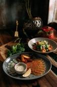 Mongol hagyományos élelmiszer-tábla