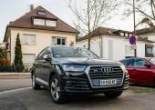 Nové Audi Sq 7 na ulici ve Francii