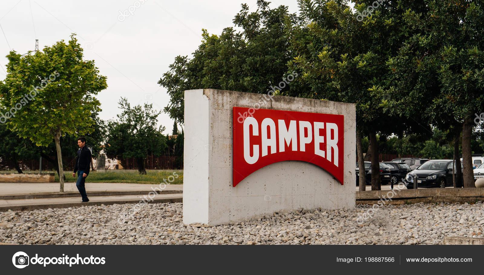 Fabbrica Headquarter Inca Scarpe Stock Foto Camper — Editoriale A Di pSGqzVUM
