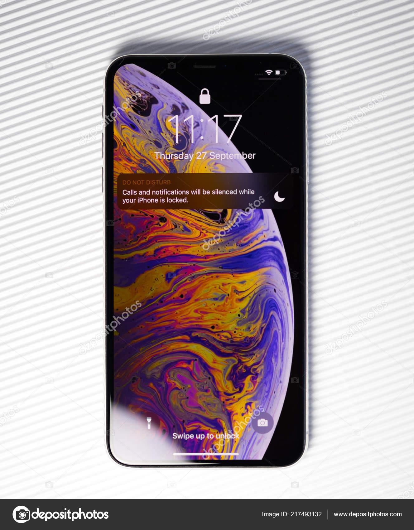 Nuovo Iphone Sfondo Schermata Bianca Di Xssmartphone Blocco Foto