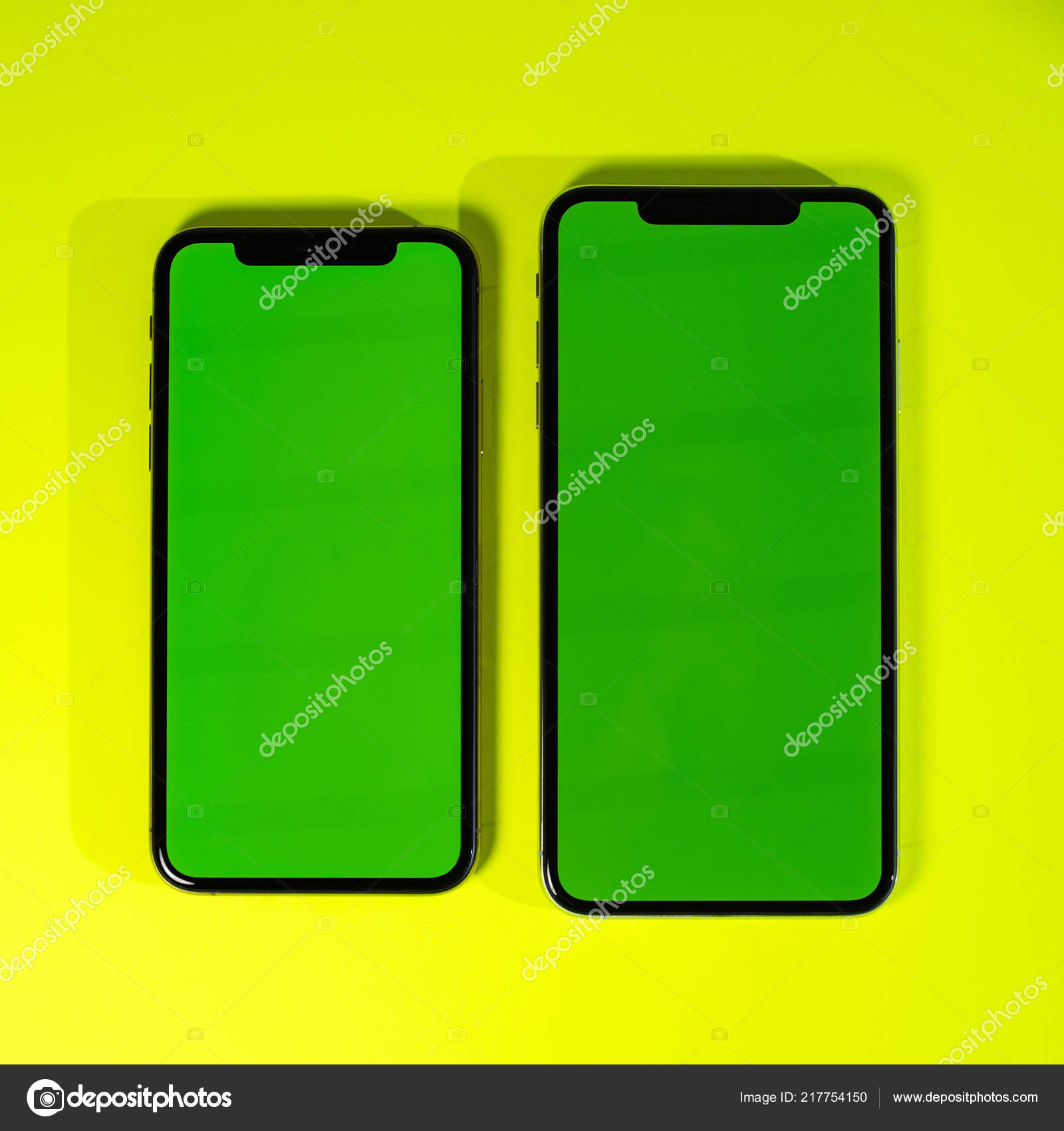 newest 853d8 bcdf7 Apple iPhone Xs Max green chroma key green background – Stock ...