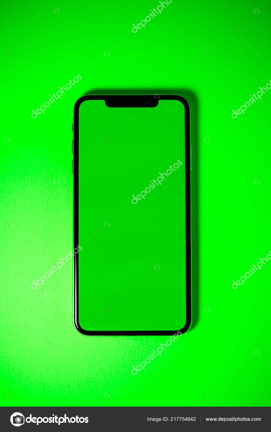 Apple Iphone Xs Max Sfondo Verde Vibrante Chroma Chiave Foto