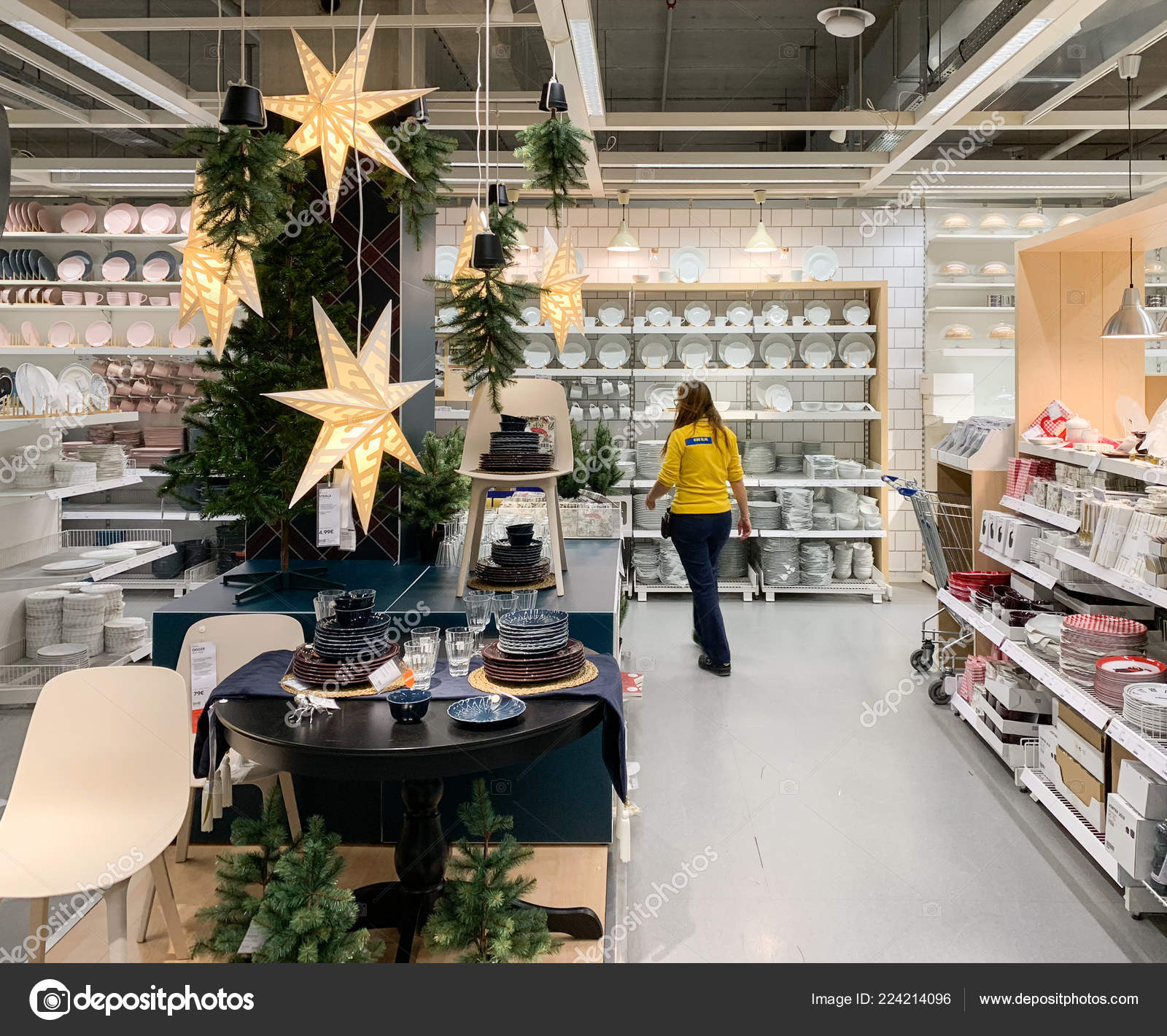 Christmas Tree Store Furniture: Ikea Furniture Store With Christmas Tree And Decorations
