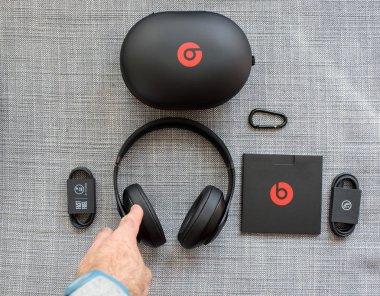 Beats 3 Studio professional wireless headphones