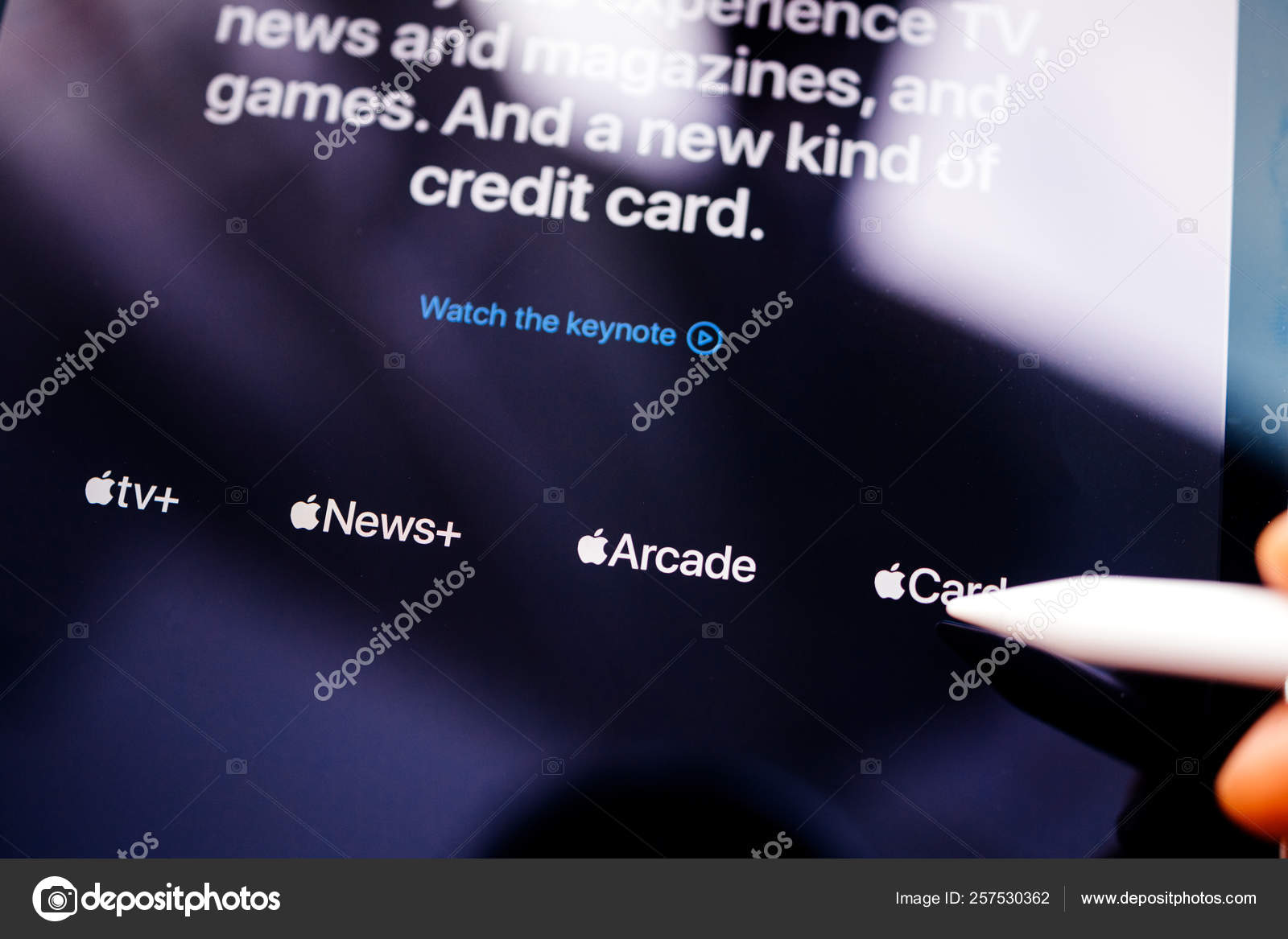 https depositphotos com 257530362 stock photo man pointing to new apple html