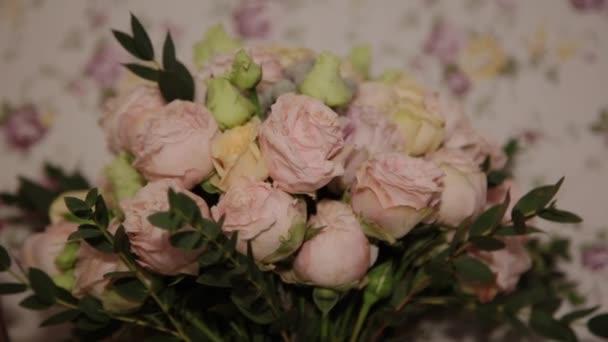 Bouquet of fresh roses. Festive bouquet of fresh flowers. Wedding bridal bouquet. Wedding flowers.