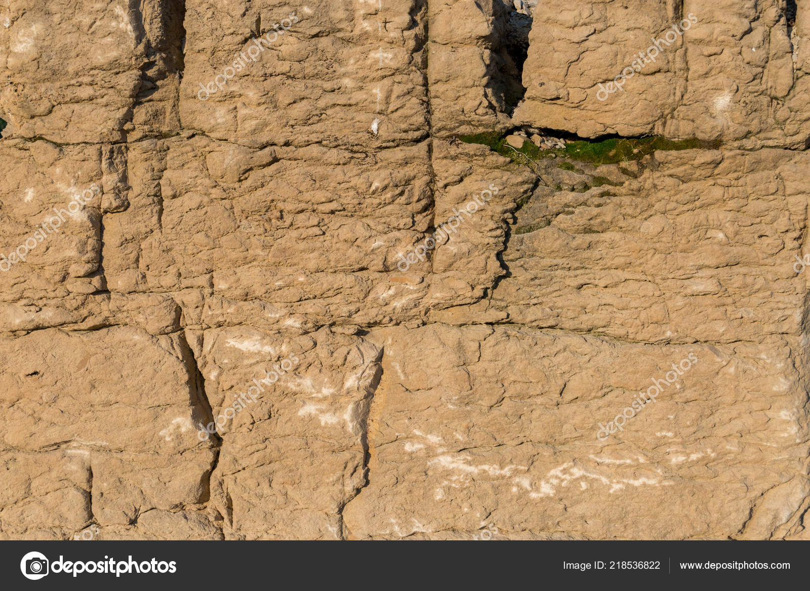 Limestone rock face geology wallpaper natural background — Stock Photo