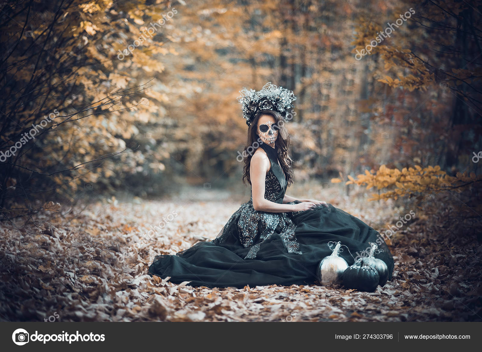 Closeup Retrato De Calavera Catrina En Vestido Negro