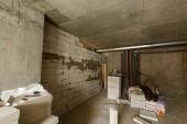 Byt opravit zeď opravy rekonstrukce domu renovace domů předělávání laminát