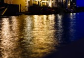 Fotografie Lighting water Lanterns on river at night