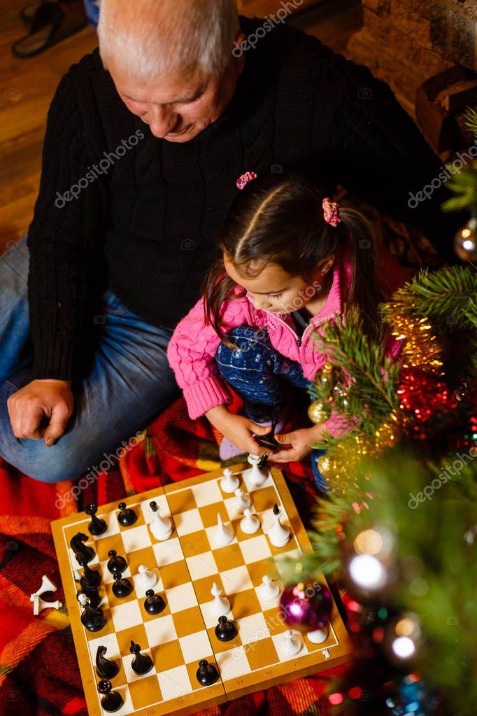 Изготовления, картинки дед мороз играет в шахматы