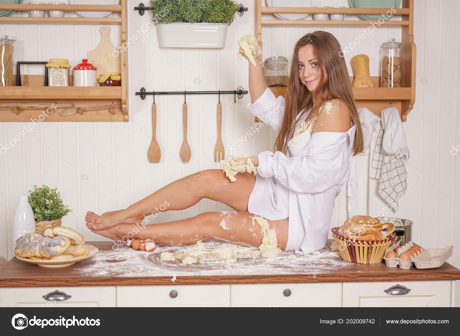 Самая сексуальная в мире домохозяйка, Самые сексуальные домохозяйки 23 фотография