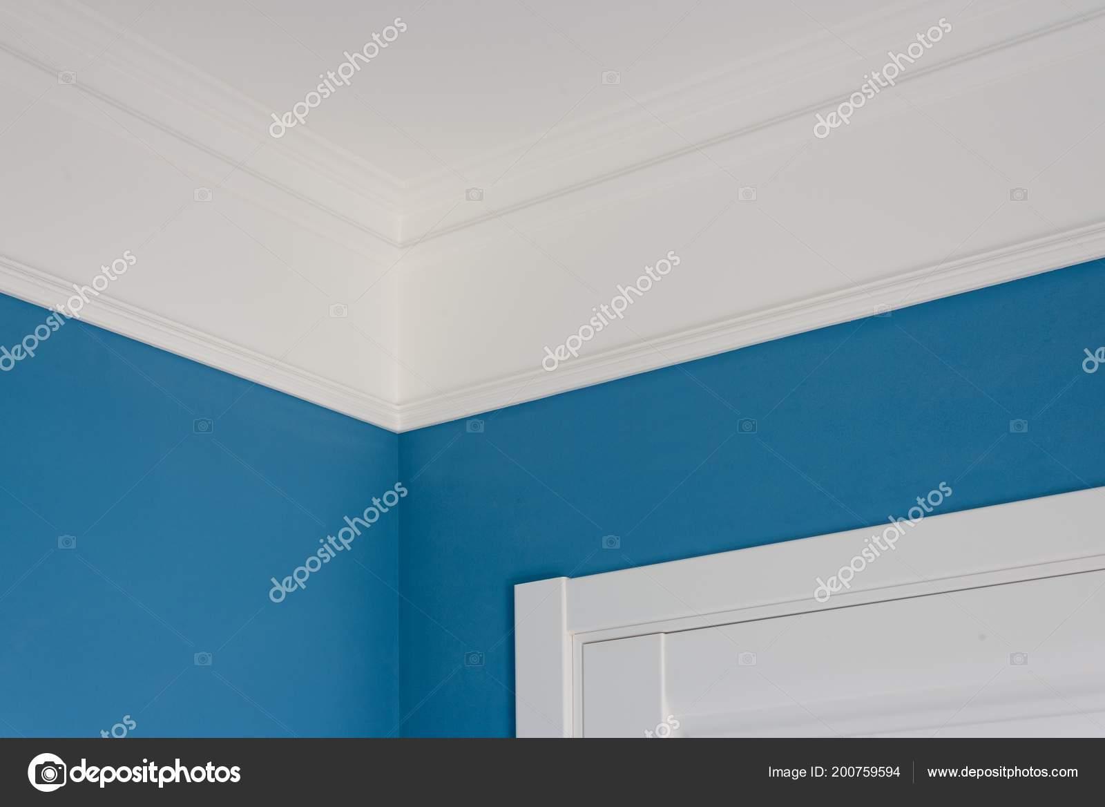 Molduras De Techo Pintadas Detalles Interior Molduras Techo Azul - Paredes-pintadas-de-azul