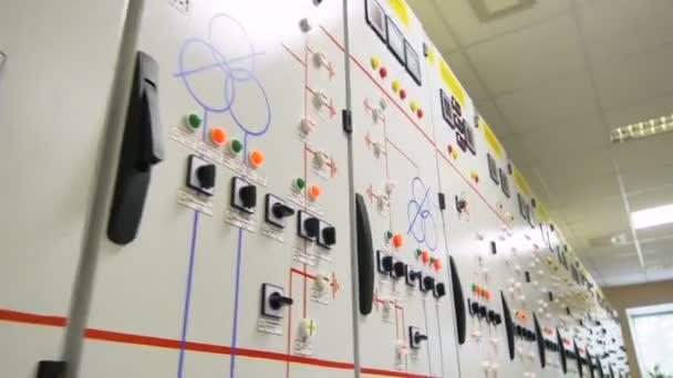 pohyb přes moderní transformátory rozváděčové skříně