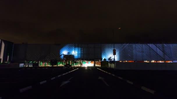 pohyb v procesu rekonstrukce arch a mall