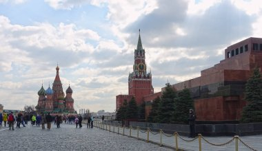 Moscow Kremlin, Spasskaya Tower, St. Basils Cathedral on Red Square