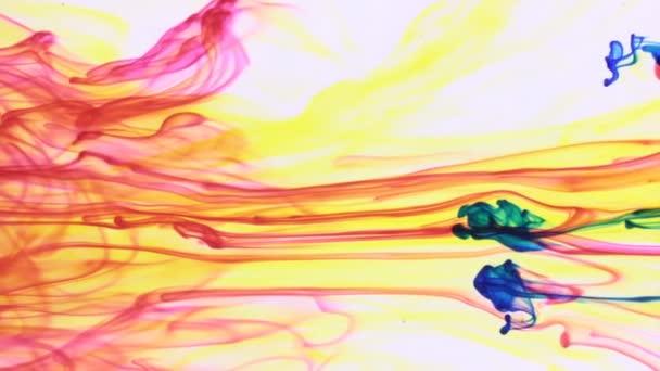 Multi barevné barvy smíšené ve vodě. Chaotického pohybu a Abstrakt