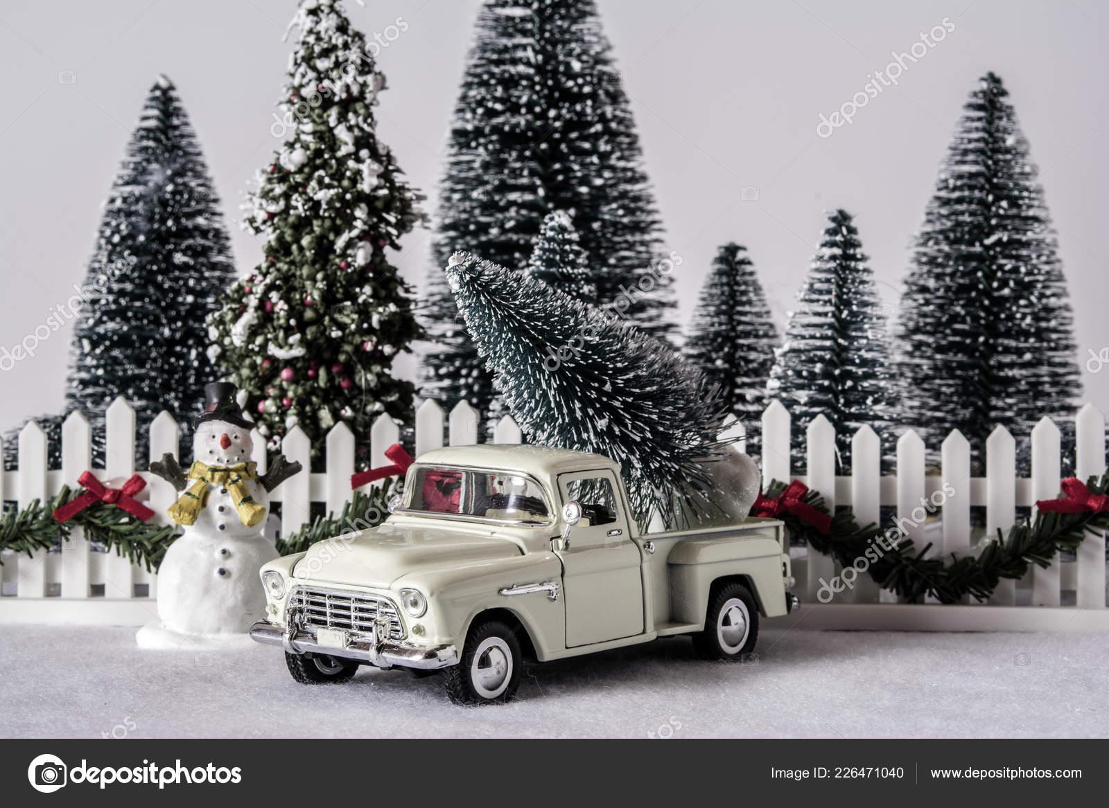 Escena Navidad Del Juguete Antiguo Coger Carro Con Arboles Pino