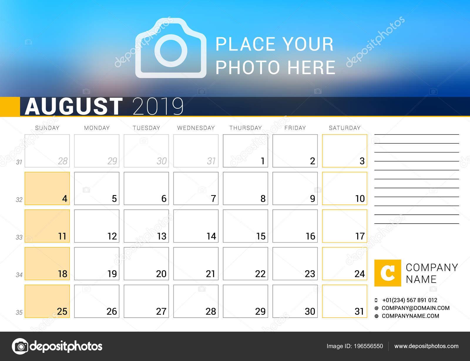 Settimane Calendario.Calendario Agosto 2019 Modello Stampa Disegno Vettoriale Con
