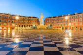 Du Soleil kašna na náměstí Place Massena Nice, francouzskou riviéru, Azurové pobřeží, Francie