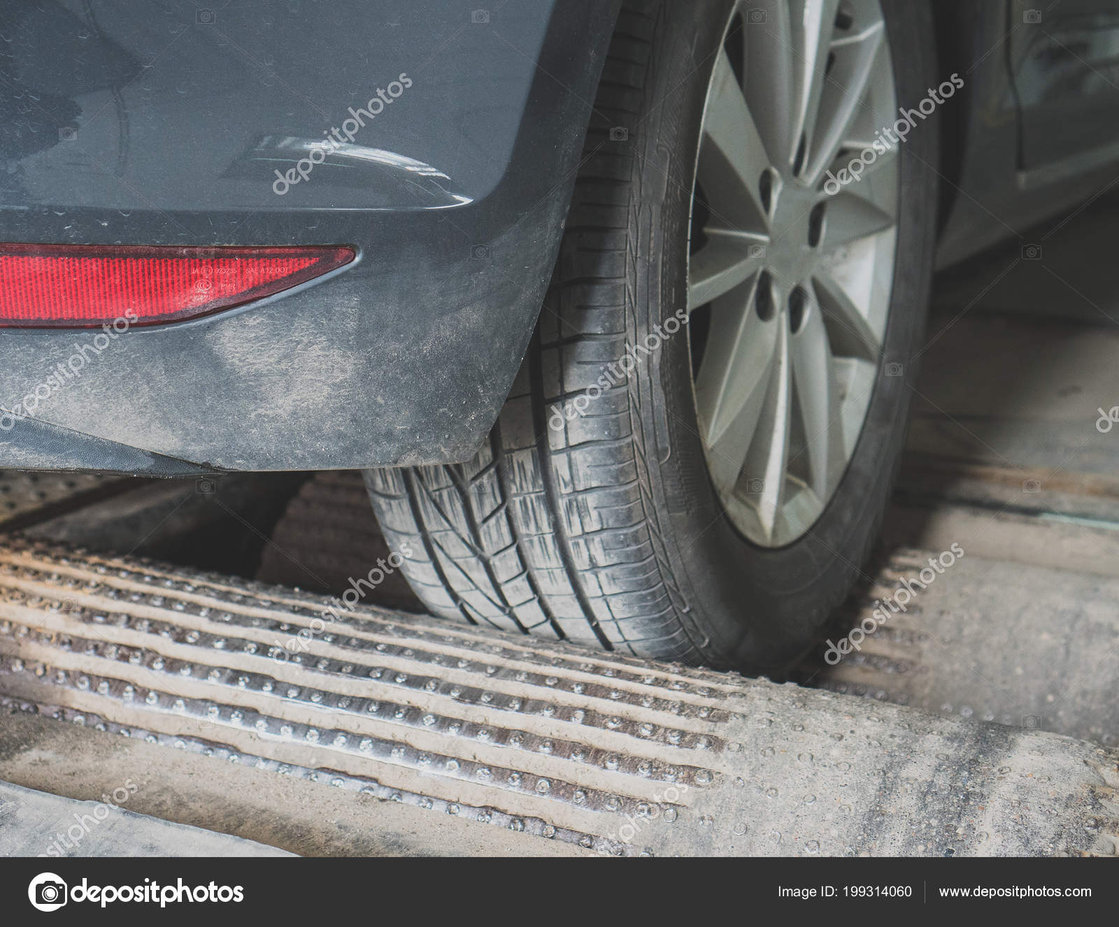 Alignment And Balancing >> Wheel Alignment Balancing Auto Service Stock Photo