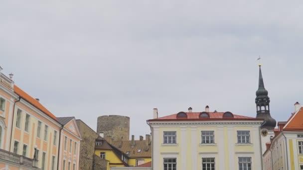 Estnisches Parlament und Alexandernevsky-Kathedrale.